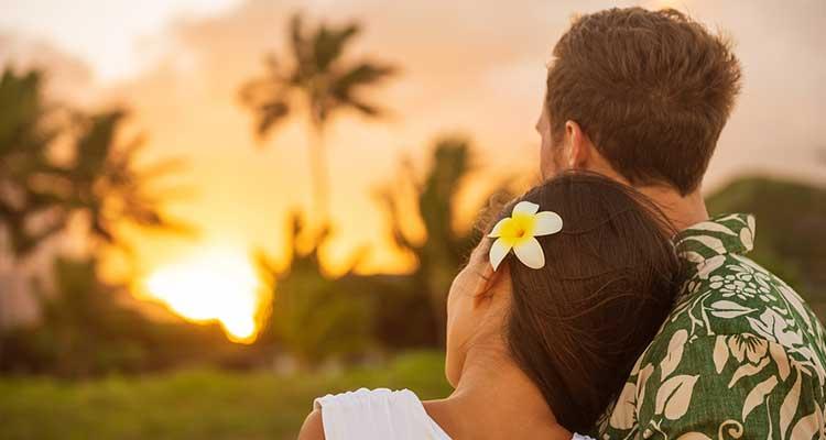 Hawaiian Honeymoon Couple